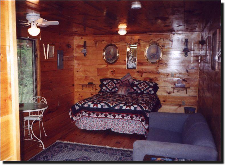 Brownwood Cabin Rentals   Farmers, Kentucky