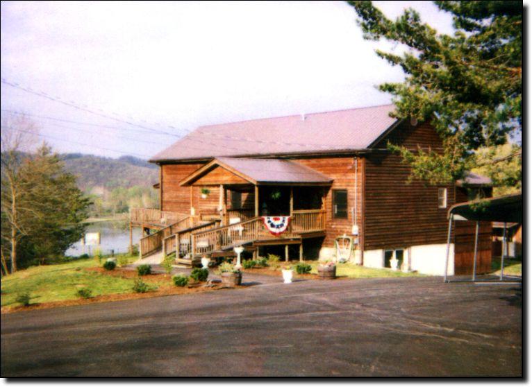 Beau Brownwood Cabin Rentals   Farmers, Kentucky